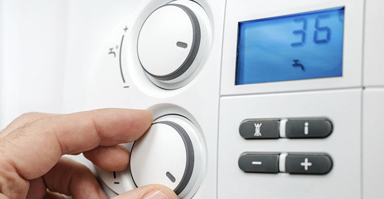 Système hybride pour le chauffage et l'eau chaude